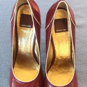 🌿Dolce Vita red leather heels with gold interior